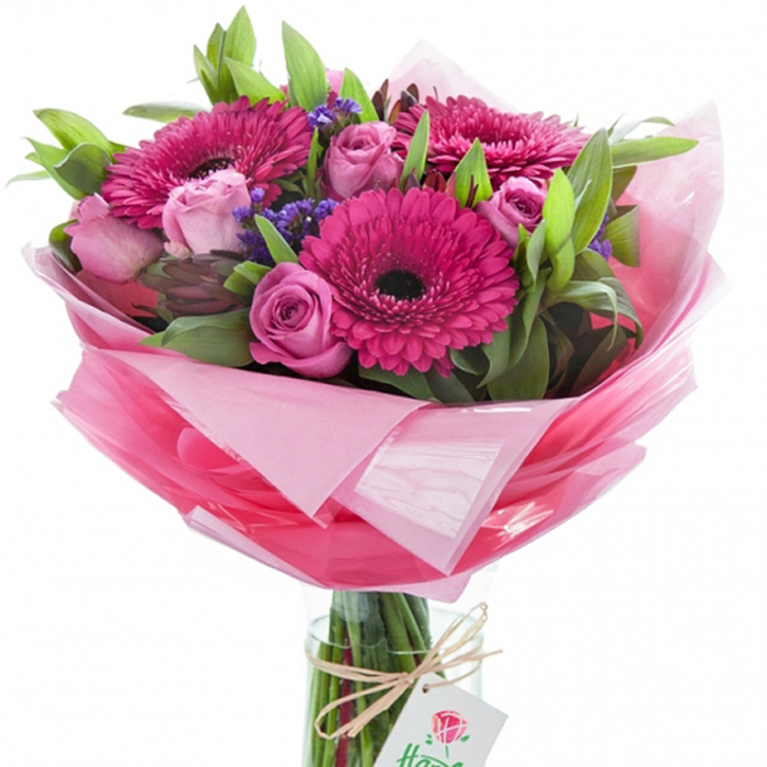 Make sure you will not be forgotten by ordering this pink beauty. Handy Flowers will charge you an absolutely competitive price for an express delivery. Same day delivery available.