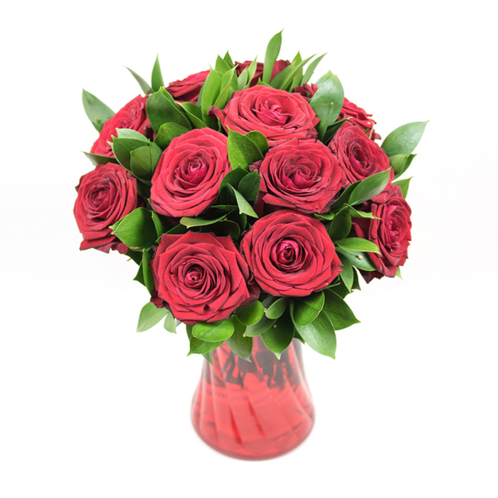 Say to your most beloved women that she is the most important for you by sending her a Passion Struck bouquet. Trust Handy Flowers and get a same-day delivery.