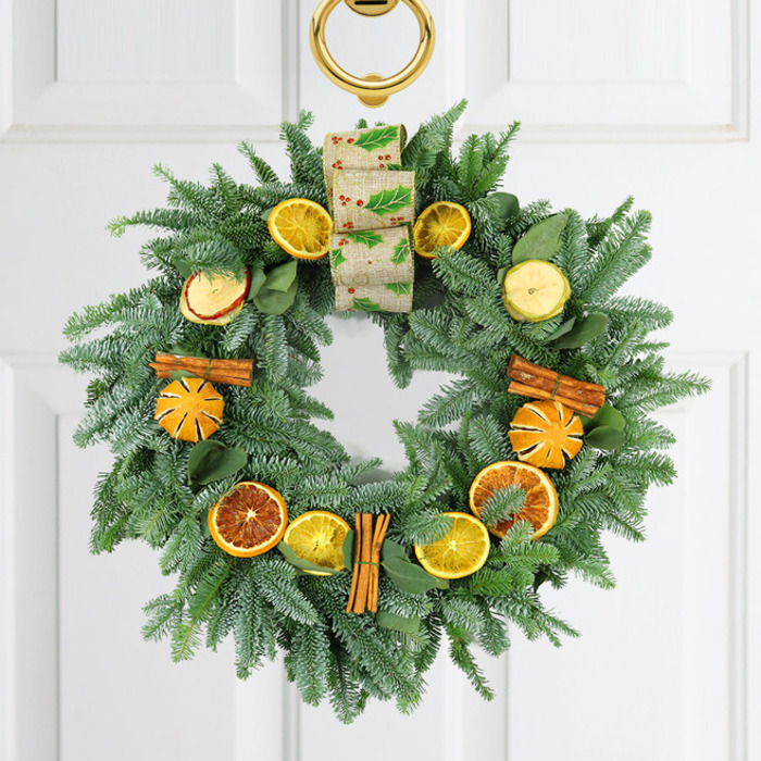 Celebrate this Christmas with this gorgeously arranged wreath in