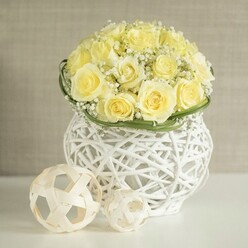 WHITE ROSES WEDDING ARRANGEMENT