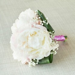 CIRCLE OF LOVE BRIDESMAID BOUQUET