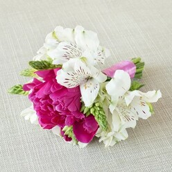 EVERLASTING LOVE BRIDESMAID BOUQUET