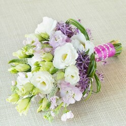 THE PERFECT MATCH BRIDESMAID BOUQUET